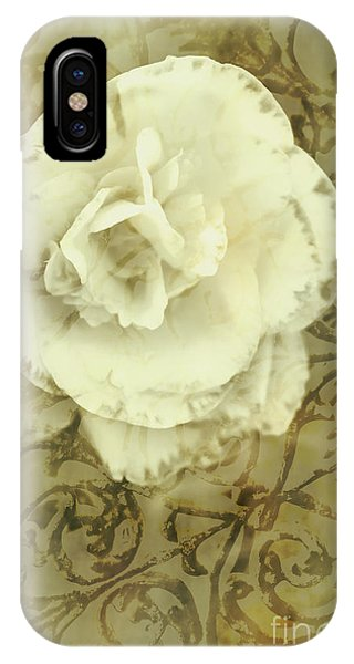 Close Focus Floral iPhone Case - Vintage White Flower Art by Jorgo Photography - Wall Art Gallery