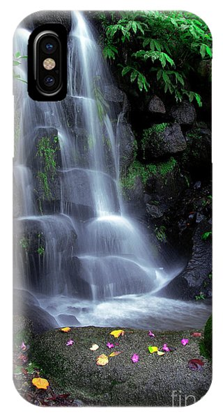 Beautiful iPhone Case - Waterfall by Carlos Caetano