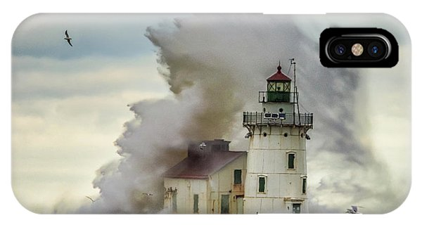Waves Over The Lighthouse In Cleveland. IPhone Case