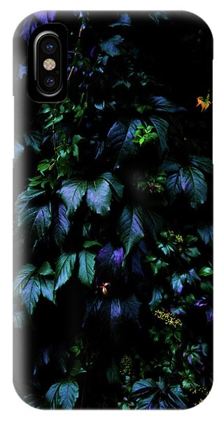 Leaf iPhone Case - Welcome To The Jungle by Nicklas Gustafsson