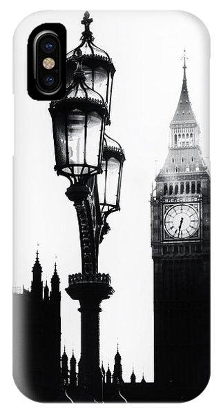 Street Light iPhone Case - Westminster - London by Joana Kruse