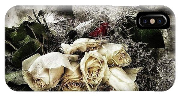 White Roses For Mother Mary. Devotees Phone Case by Mr Photojimsf