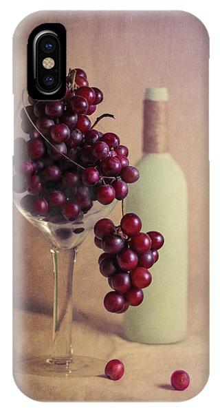 Vino iPhone Case - Wine On The Vine by Tom Mc Nemar