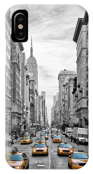 Skyscraper iPhone Case - 5th Avenue Nyc Traffic by Melanie Viola