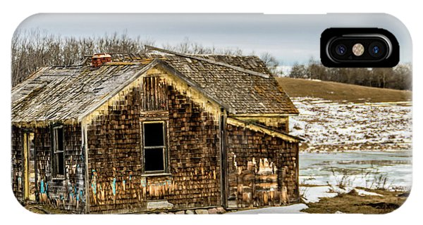 Abondened Old Farm Houese And Estates Dot The Prairie Landscape, IPhone Case
