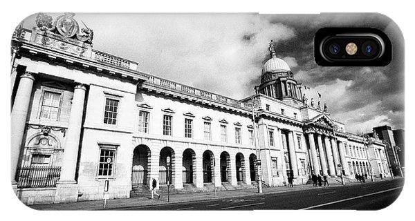 The Custom House Custom House Quay Dublin Republic Of Ireland Phone Case by Joe Fox