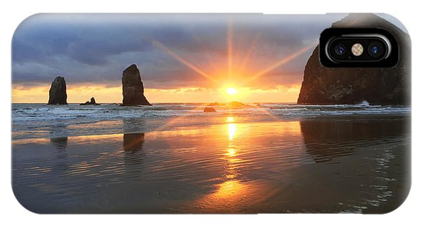 Pacific Ocean iPhone Case - Amazing Oregon by Chad Dutson