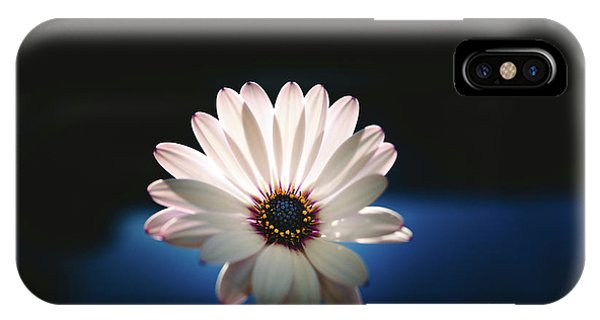 Beautiful And Delicate White Female Flower Dark Background Illum IPhone Case