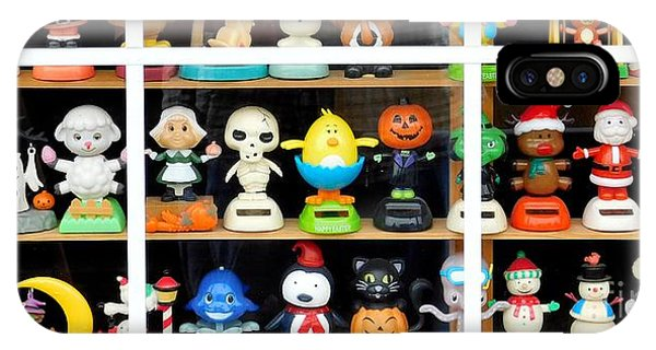 Bobbleheads In Store Window In Schroon Lake Ny In Adirondacks IPhone Case