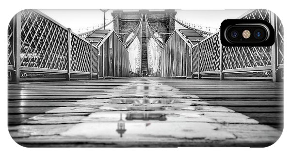 iPhone Case - Brooklyn Bridge Nyc  Bw by Susan Candelario