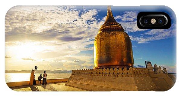 Buphaya Pagoda In Bagan, Myanmar At Phone Case by Richard Yoshida