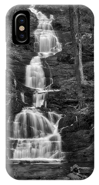 iPhone Case - Buttermilk Falls Bw by Susan Candelario