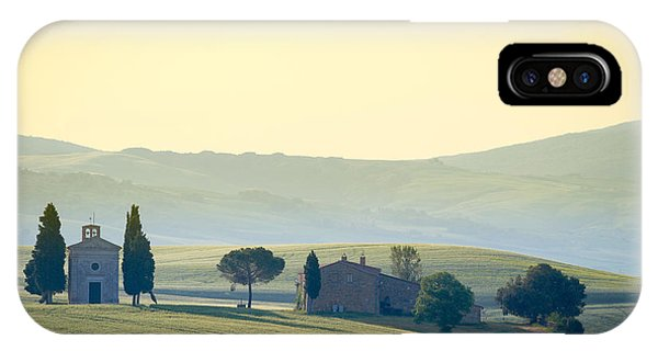 Spring Mountains iPhone Case - Cappella Di Vitaleta, Val Dorcia by Frank Fischbach