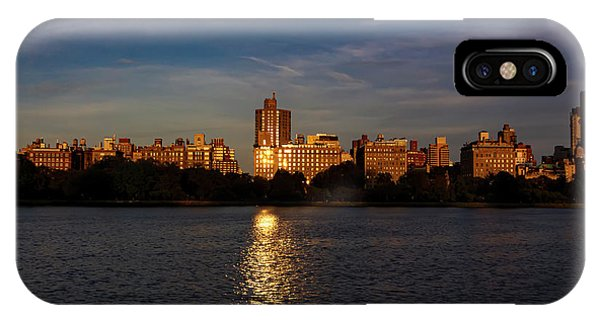 Central Park Reservoir At Sunset Looking Eas IPhone Case