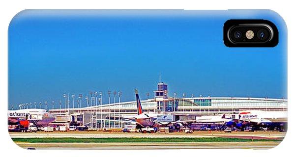 Chicago, International, Terminal IPhone Case