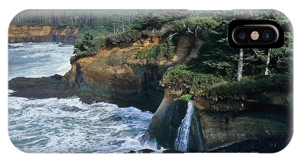 Cliffs Of Boiler Bay IPhone Case