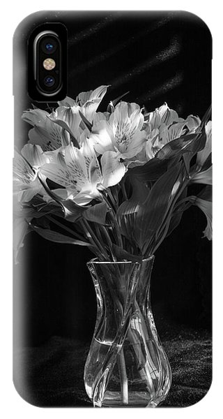 Dramatic Flowers-bw IPhone Case