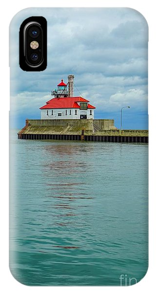 Duluth Lighthouse 2 IPhone Case