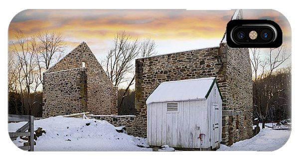 Kingsville iPhone Case - Jericho Rd Bank Barn Shell by Brian Wallace