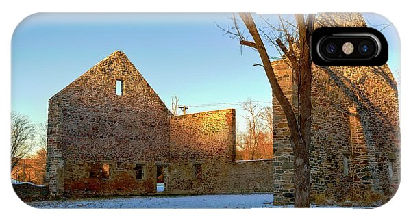 Kingsville iPhone Case - Jericho Road Bank Barn by Brian Wallace