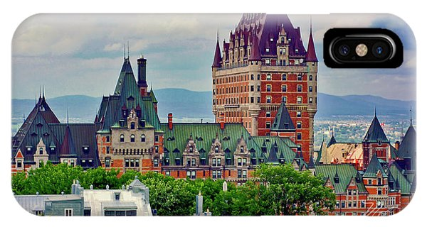 Le Chateau Frontenac IPhone Case