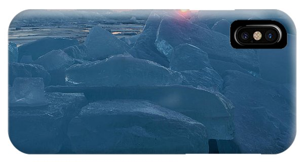 Mackinaw City Ice Formations 21618013 IPhone Case