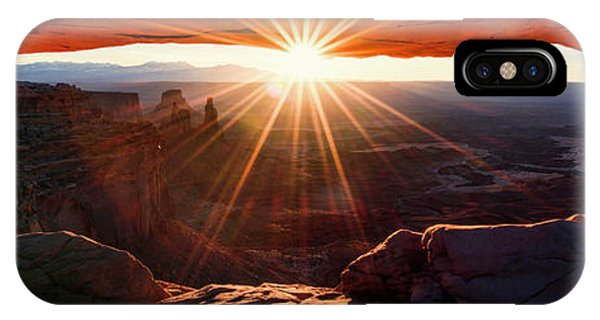 Arches National Park iPhone Case - Mesa Glow 3x1 by Chad Dutson