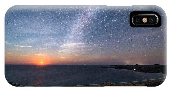 Sea Life iPhone Case - Milky Way On The Beach by Yari Ghidone