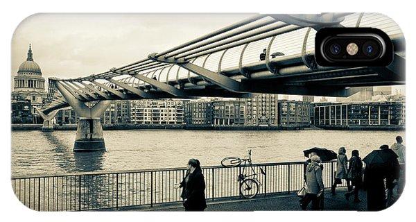 Millennium Bridge 03 IPhone Case
