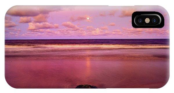 Moonrise, Mayaro IPhone Case