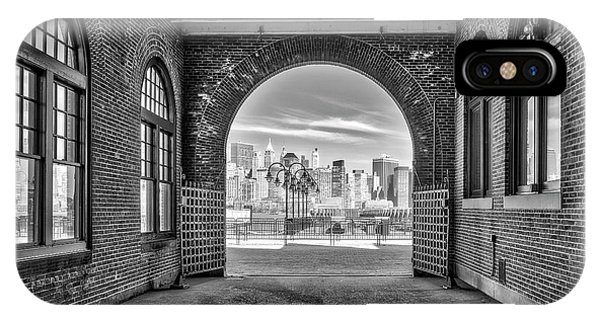 iPhone Case - Nyc Skyline View Bw by Susan Candelario