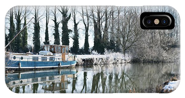 Old House Boat On The River Thames In Winter Phone Case by Tim Gainey