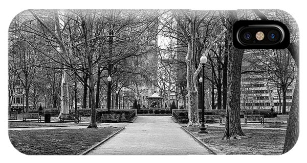 iPhone Case - Quiet Morning In Rittenhouse Square In Black And White by Bill Cannon