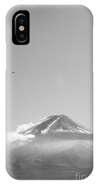 iPhone Case - Soar by Andrew Paranavitana