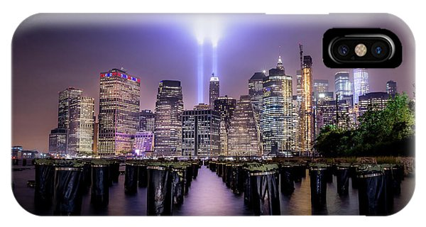 Long Exposure iPhone Case - Spirit Of New York II by Nicklas Gustafsson