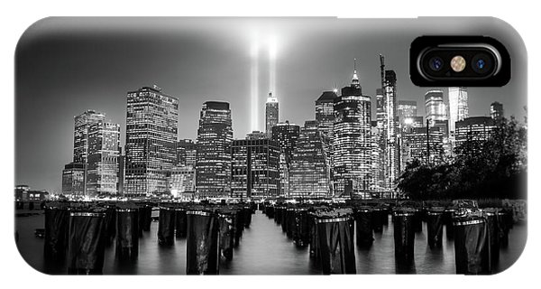 Long Exposure iPhone Case - Spirit Of New York by Nicklas Gustafsson