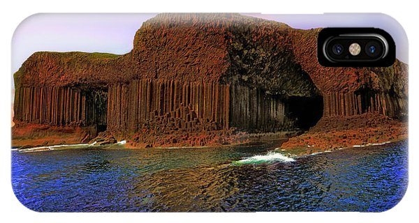 Staffa And Fingal's Cave - Scotland - Sunset IPhone Case