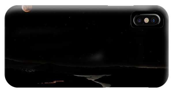Super Blood Wolf Moon Eclipse Over Lake Casitas At Ventura County, California IPhone Case