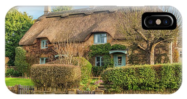Thatched Cottage In Chipping Campden, Gloucestershire Phone Case by David Ross