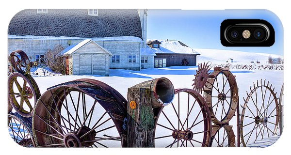 iPhone Case - The Barn In Winter by David Patterson