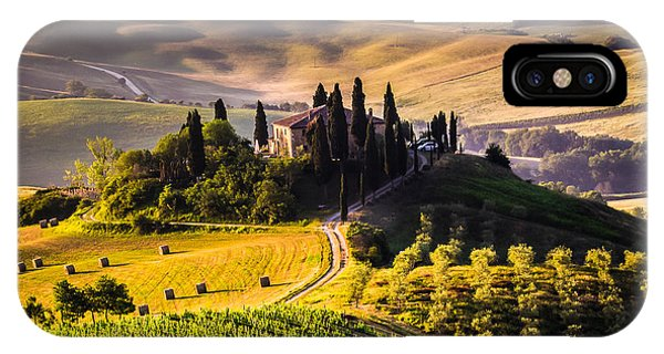 Rural iPhone Case - Tuscany, Italy - Landscape by Ronnybas Frimages