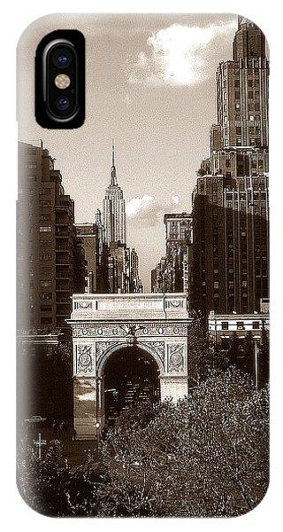 Washington Arch And New York University - Vintage Photo Art IPhone Case