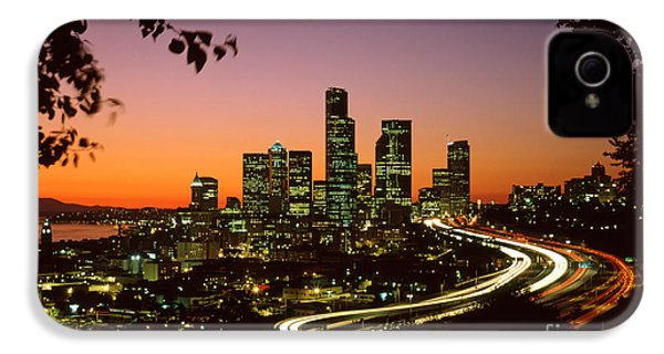 City Of Seattle Skyline IPhone 4 Case by King Wu