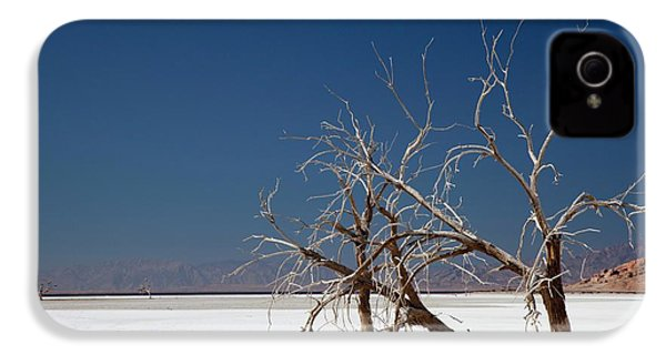 Dead Trees On Salt Flat IPhone 4 Case by Jim West