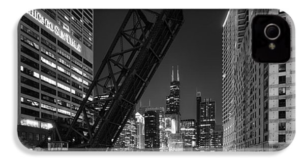 Kinzie Street Railroad Bridge At Night In Black And White IPhone 4 / 4s Case by Sebastian Musial