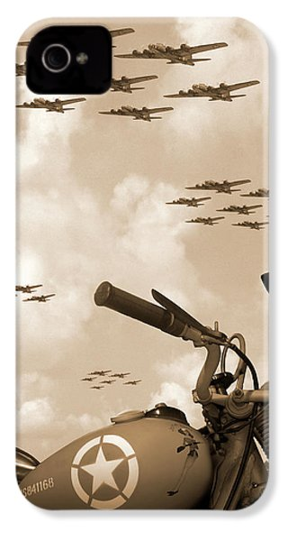 1942 Indian 841 - B-17 Flying Fortress' IPhone 4 Case
