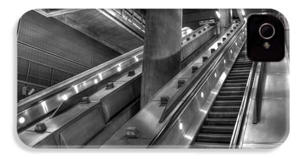 Canary Wharf Station IPhone 4 Case by David Pyatt