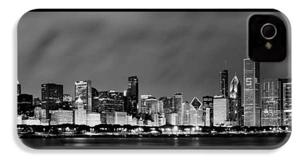 Chicago Skyline At Night In Black And White IPhone 4 / 4s Case by Sebastian Musial