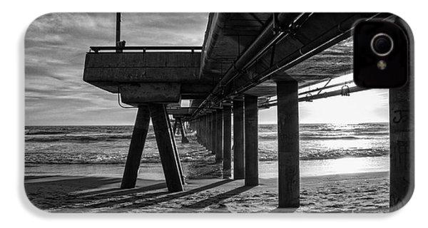 An Evening At Venice Beach Pier IPhone 4 / 4s Case by Ana V Ramirez