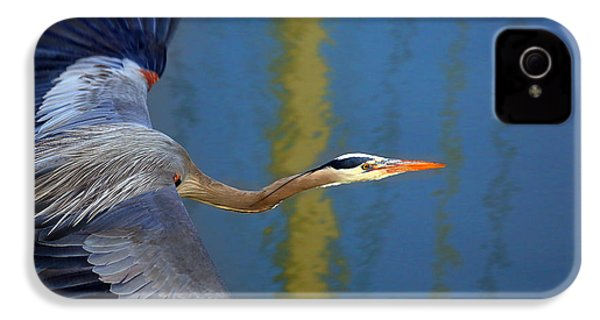 Bay Blue Heron Flight IPhone 4 / 4s Case by Robert Bynum
